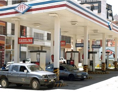 YPFB garantiza venta normal de combustibles este domingo